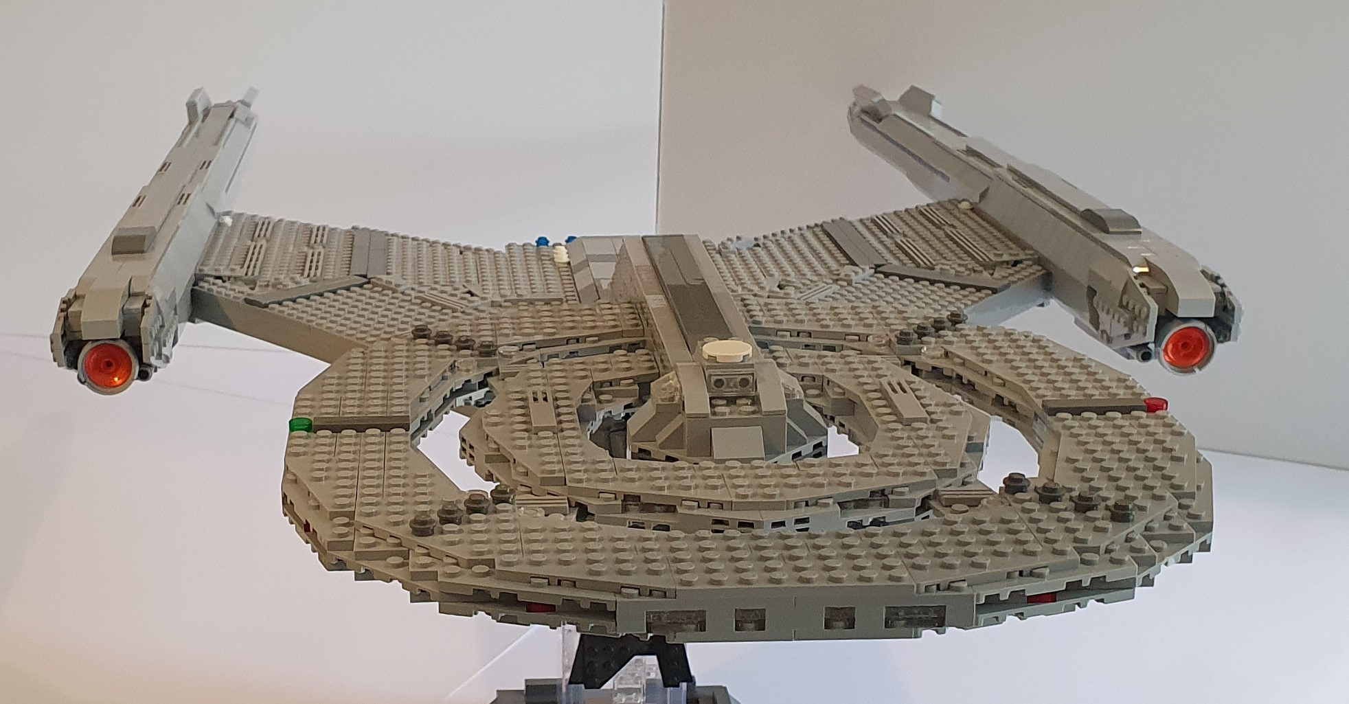 LEGO USS Discovery