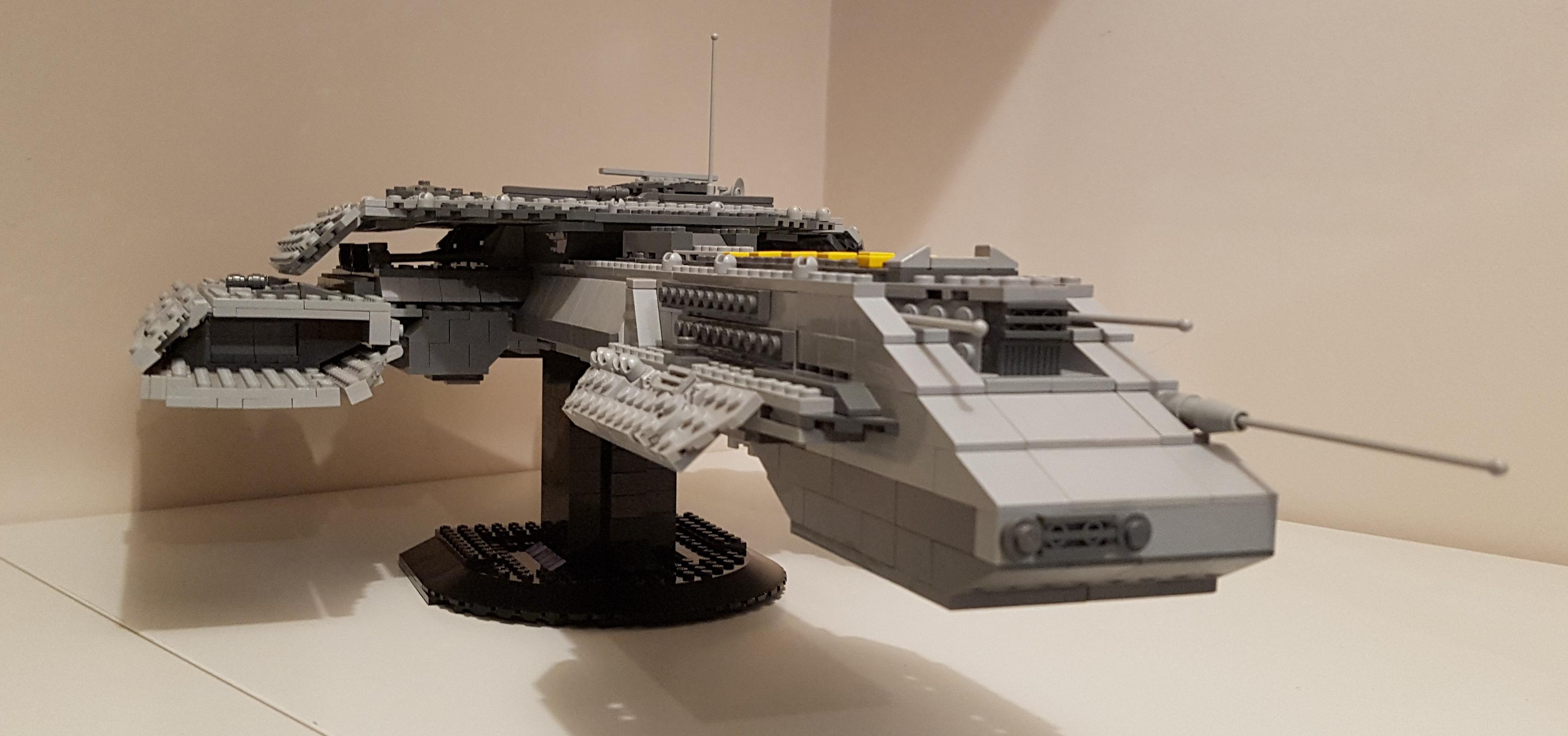 LEGO Stargate USS Daedalus