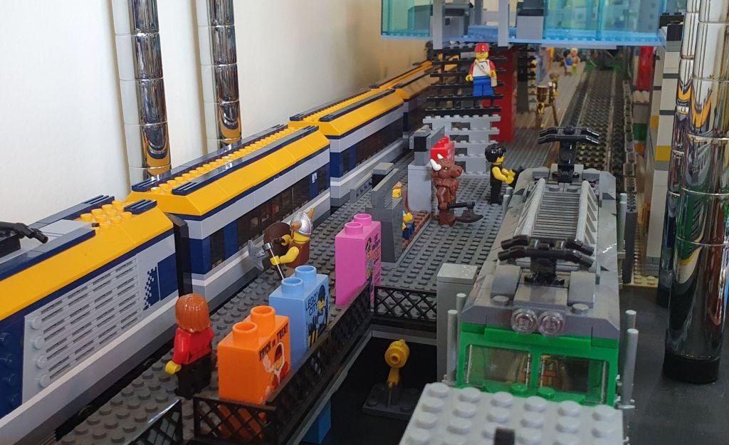LEGO Brick City Train Station